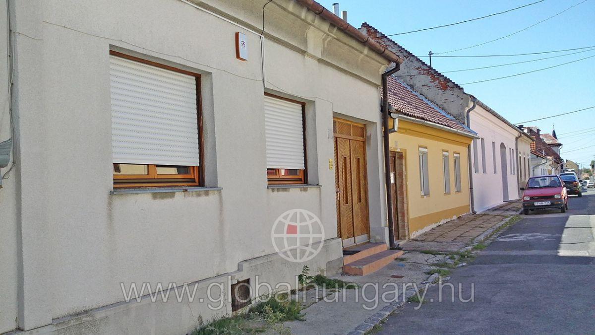 Pécs, belv.közeli 2sz klassz ház