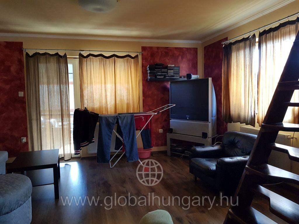 Pécs közelében családi ház eladó