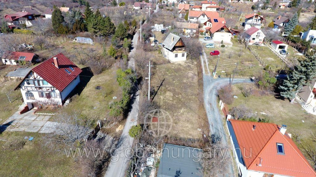 Pécs Donátusban panorámás telek eladó