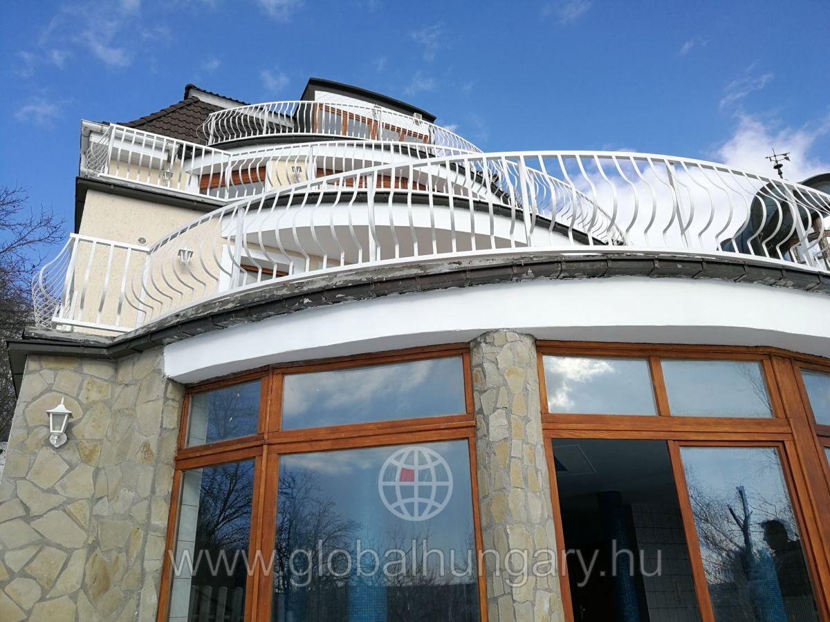 Eladó családi ház meseszép panorámával a Bp. II. kerületben