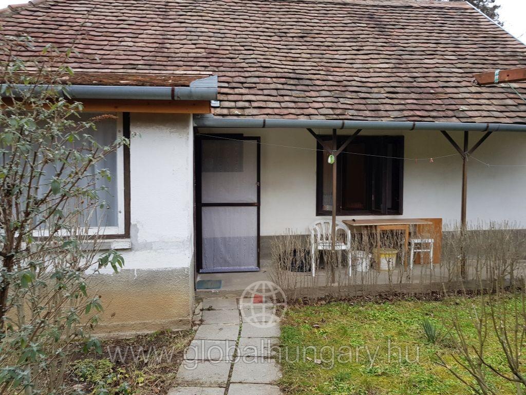 Kis családi ház eladó