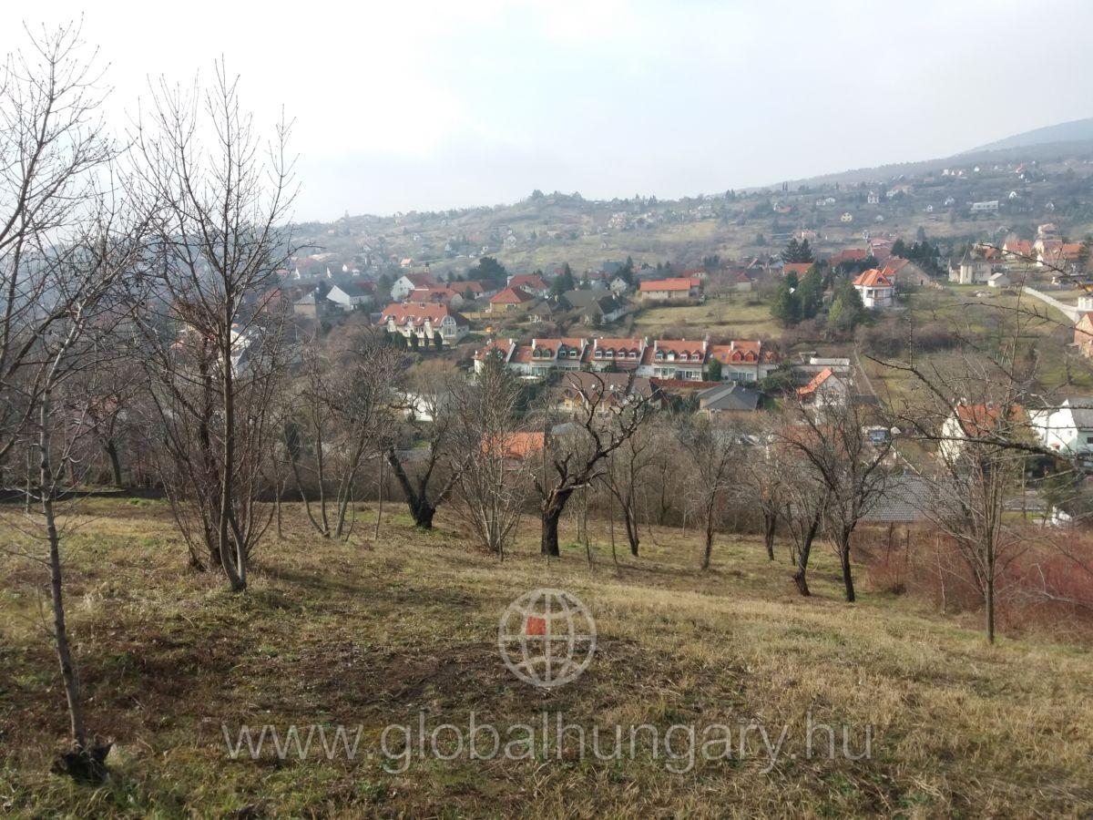 Pécs Mecsek oldalon panorámás építési telek eladó