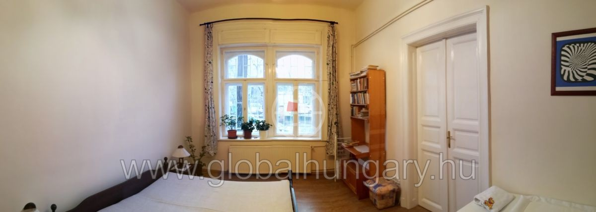 A Diplomatanegyedben eladó egy 3 szobás felújított lakás