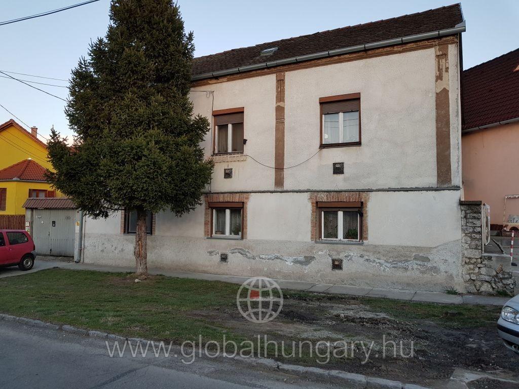 Pécs kertvárosban 140m2-es ház eladó