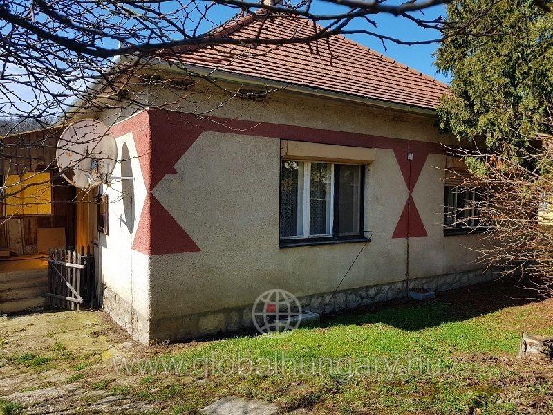 Abaligeten 95m2-es családi ház 1403m2 telken eladó