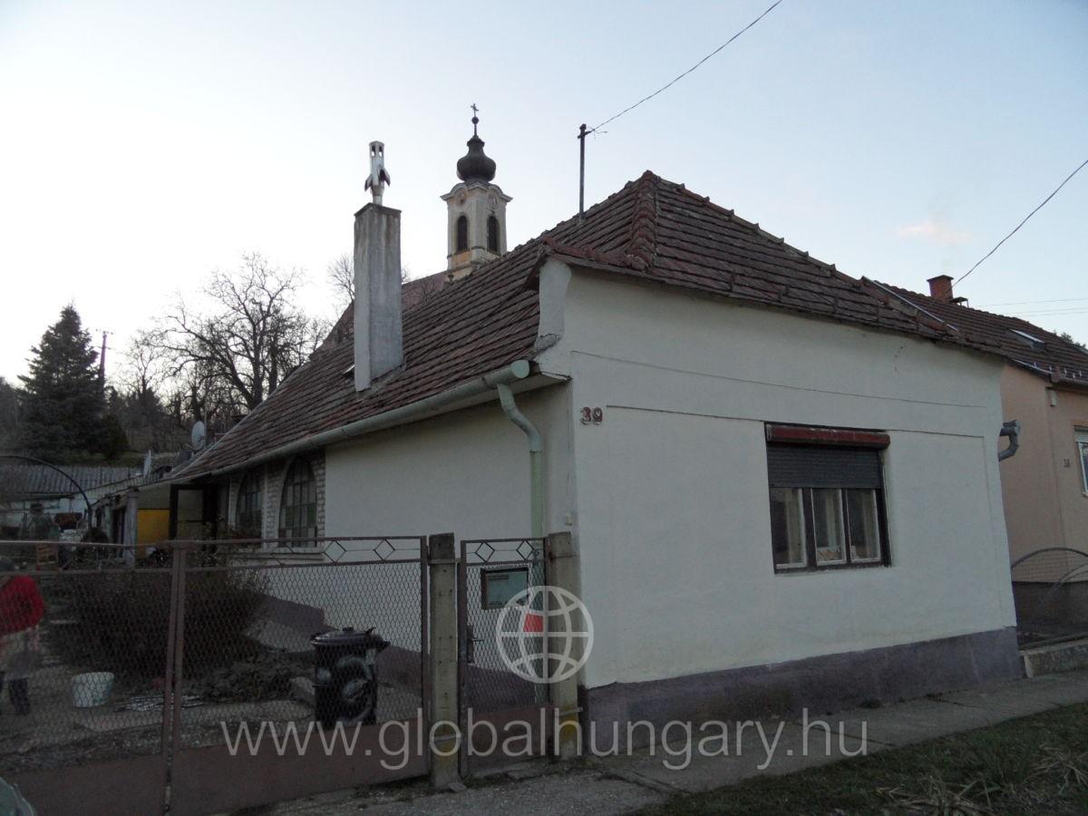 Keszüben kis családi ház eladó