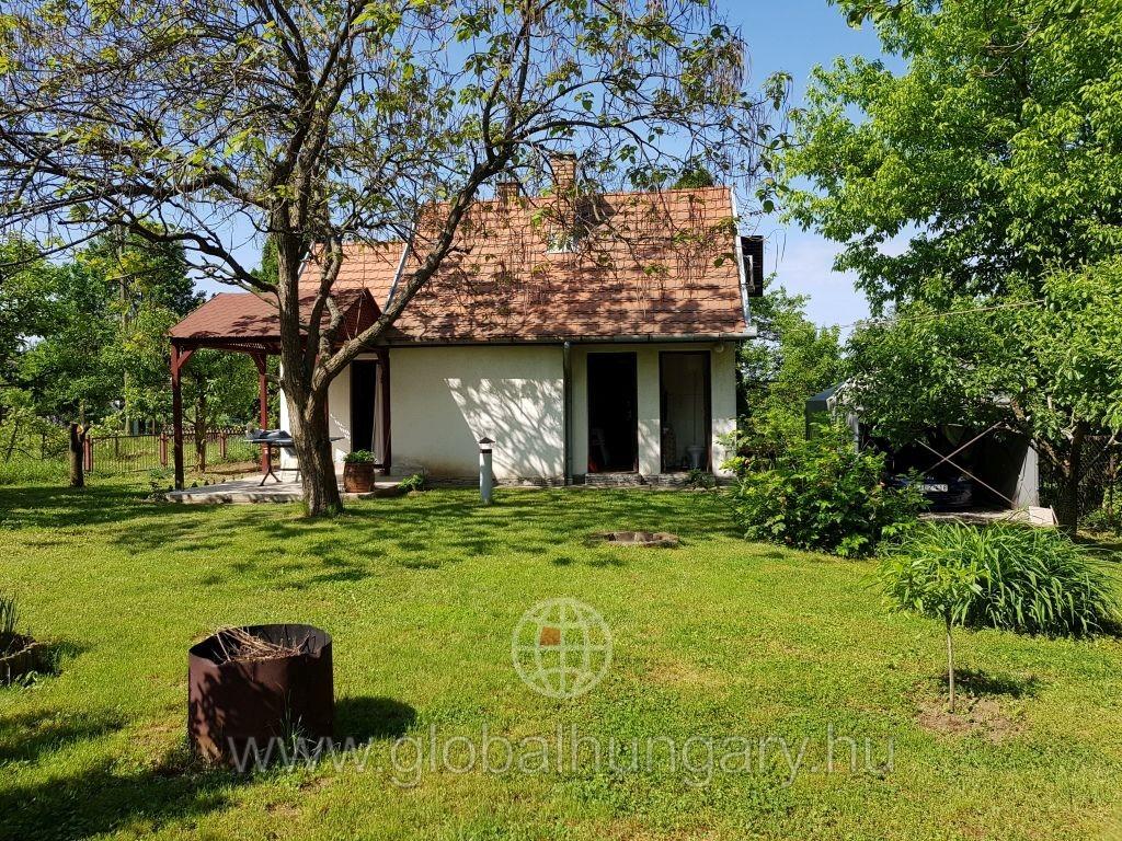 Pellérden igényes kis ház eladó