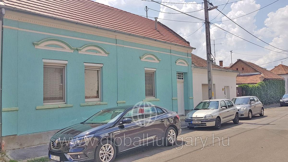 Pécs,Király u közeli 100m2-ház, 400m2 telken