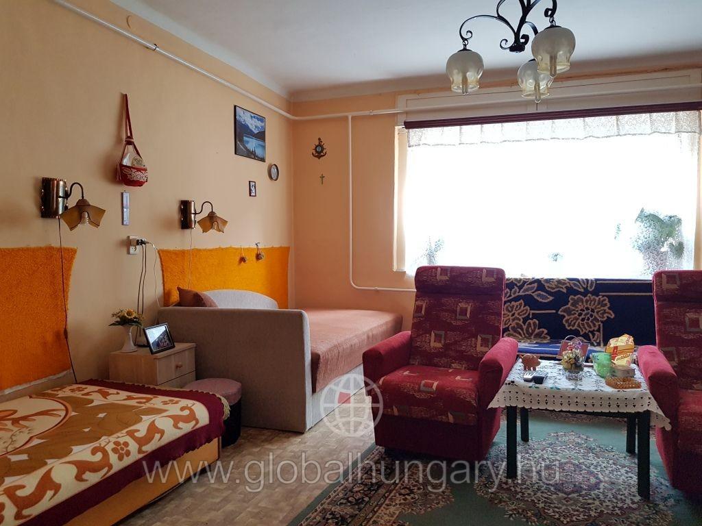 Pécs belváros közeli családi ház eladó