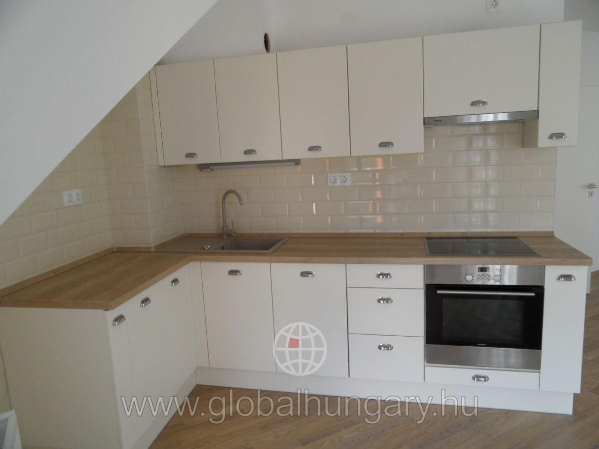 Pécs belvárosában új építésű lakás eladó