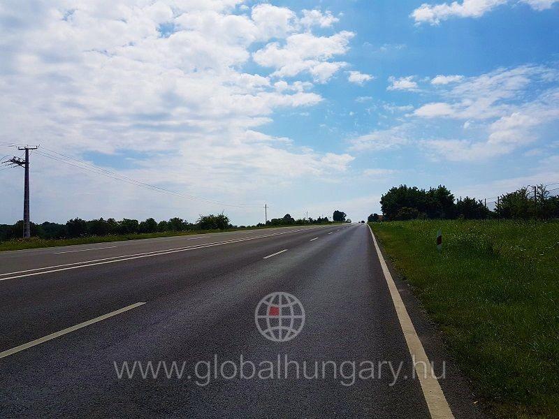 M6-os autópálya mellett 3000m2-es ipari telephely eladó