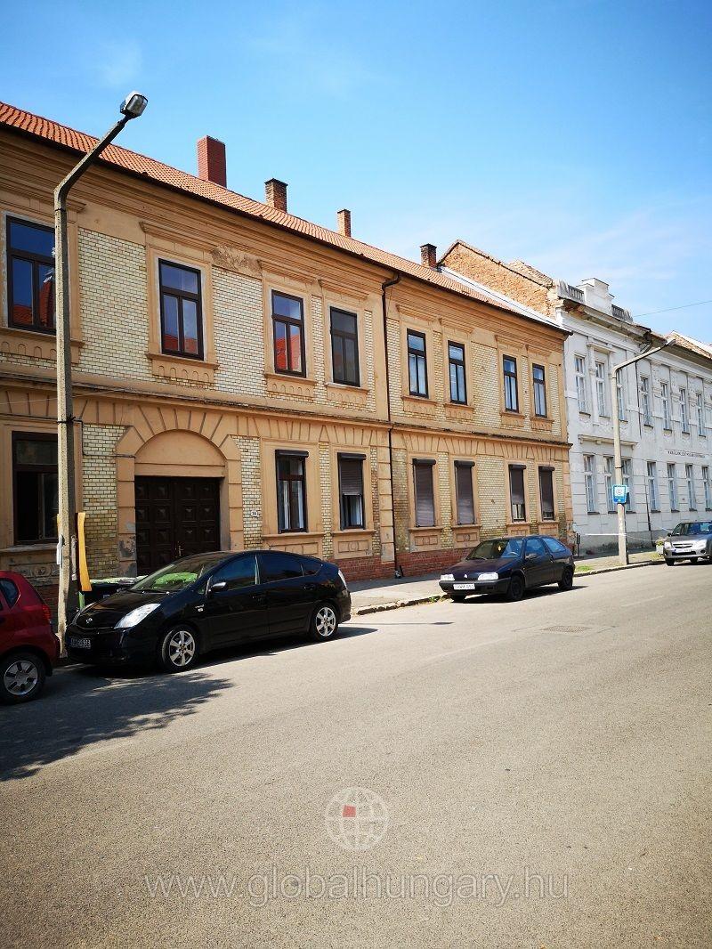 Pécstől egy ugrásra, Szigetvár központjában!