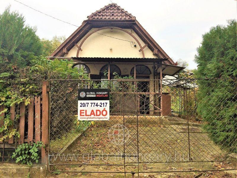 55nm-es ház, udvarral, csendes környéken Kispostavölgyben