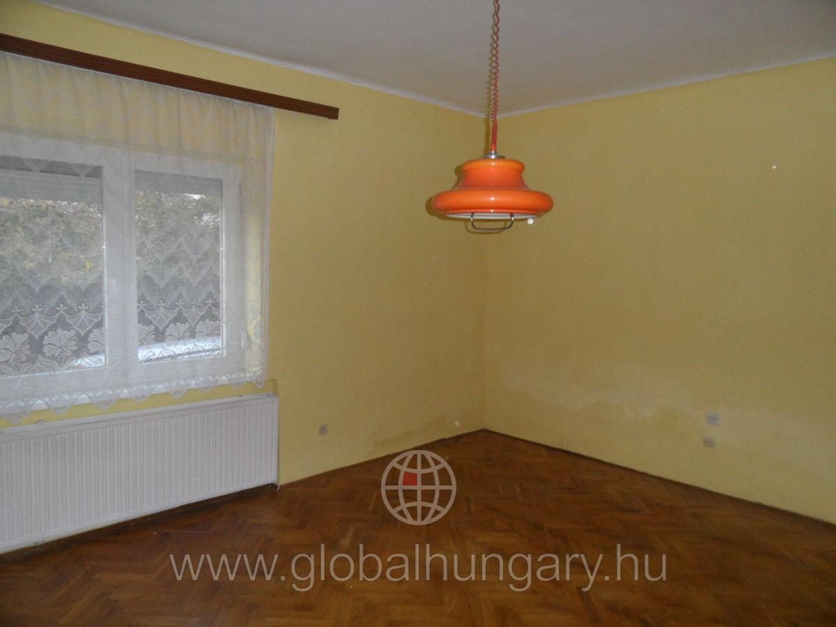 Pécsen 116 nm-es családi ház eladó