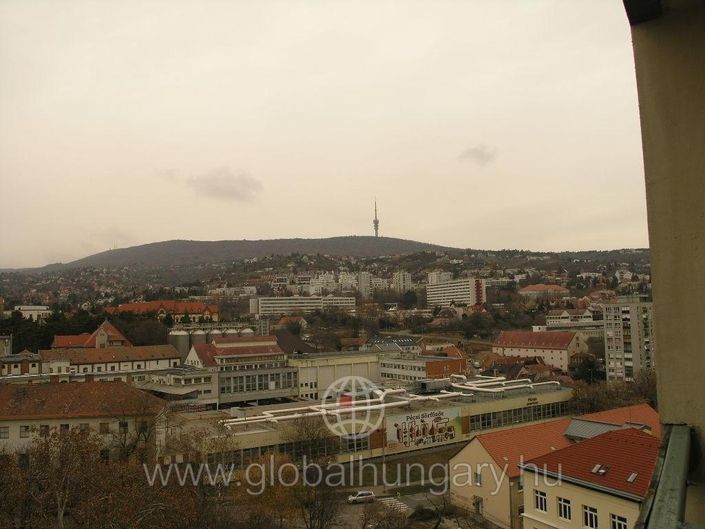 Panellakás Pécs Egyetemváros részen.