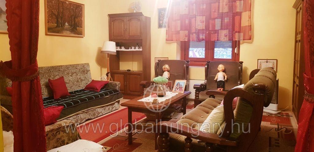 Pellérden felújított lakás/házrész eladó