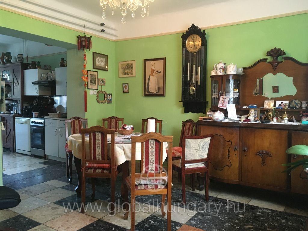 Pécs Torda utca  88 nm-es  lakás eladó!
