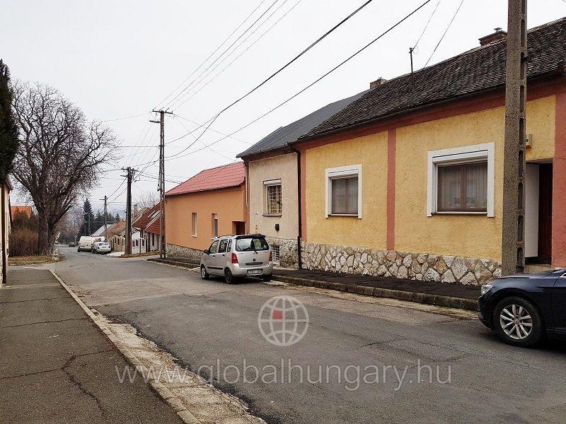 Torda utcában felújított családi ház eladó
