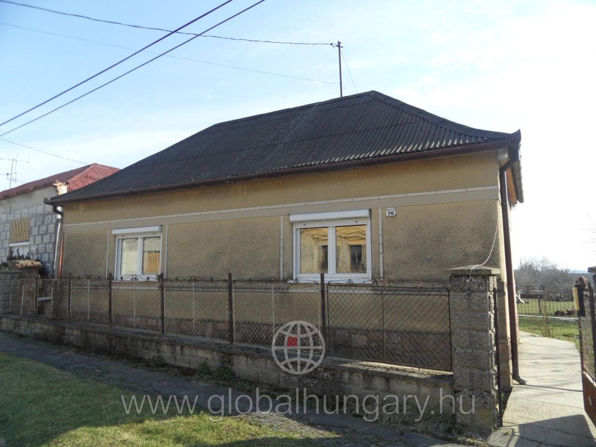 Pécs közelében Gerdén családi ház eladó