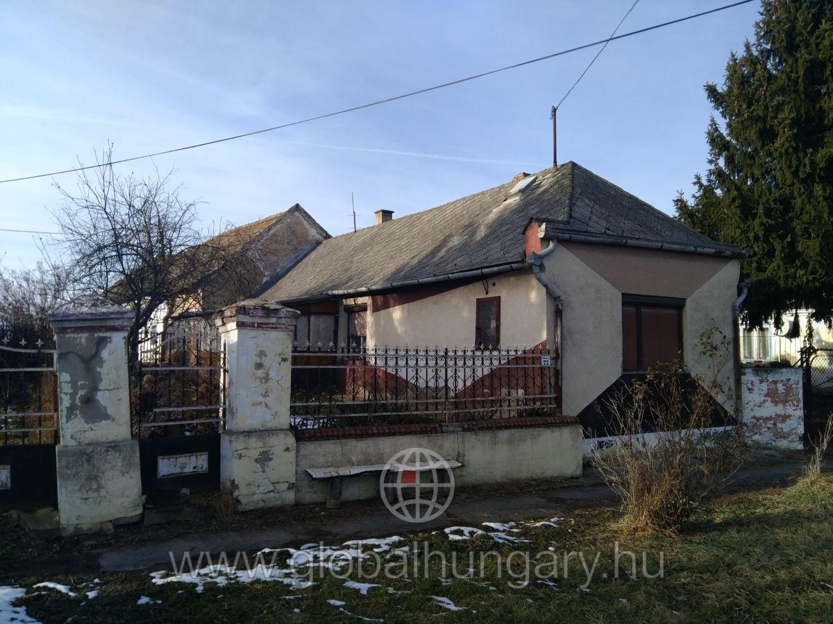 Gerde,80nm-es,3 szobás Ház eladó