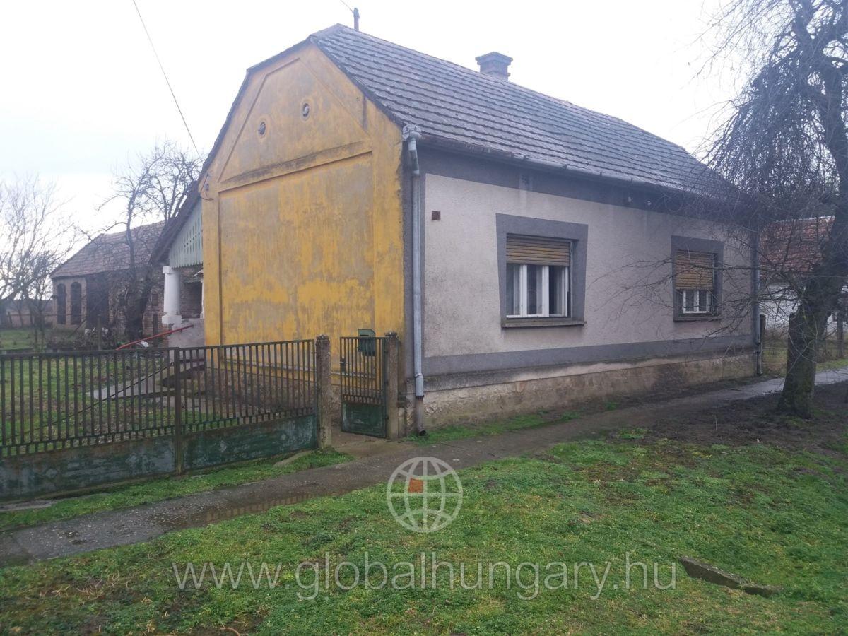 Felsőszentmártonban családi ház eladó!