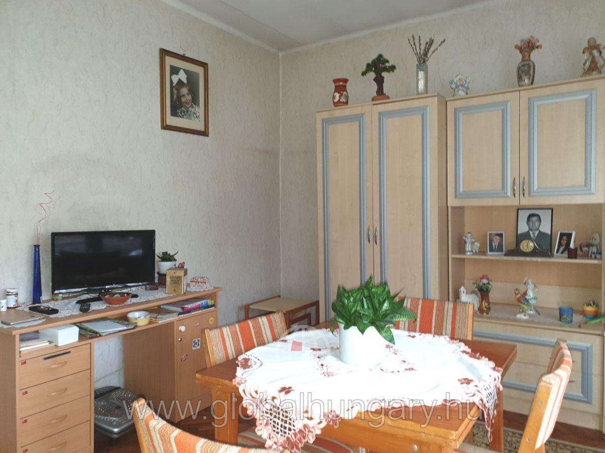 Családi ház Keszüben akár két generációnak is!