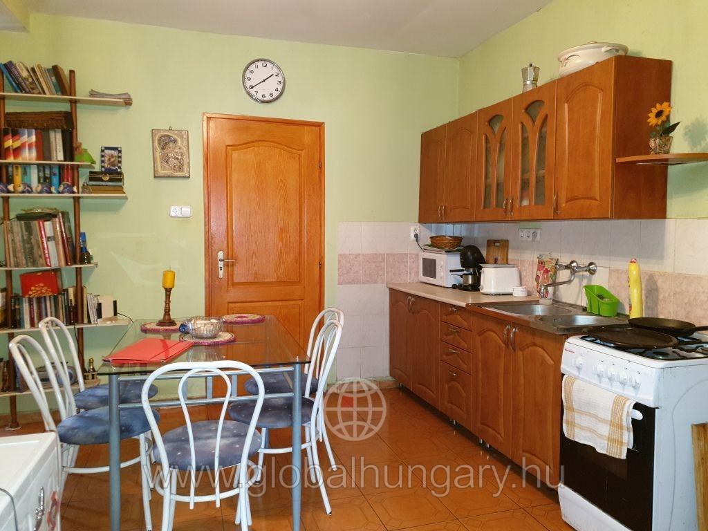 Bécs belváros közelében jó állapotú lakás eladó