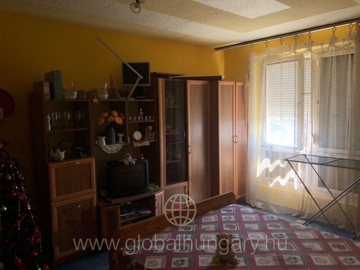 Pécs, Nagy Imre út 63.1,5 szobás lakás