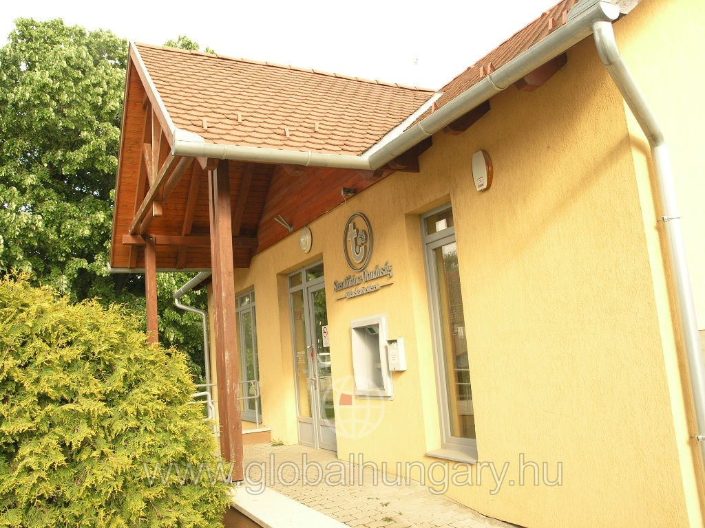 Baksán újszerű családi ház eladó!