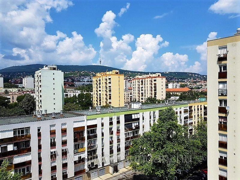 Orvosi egyetem mellett 2 szobás lakás eladó