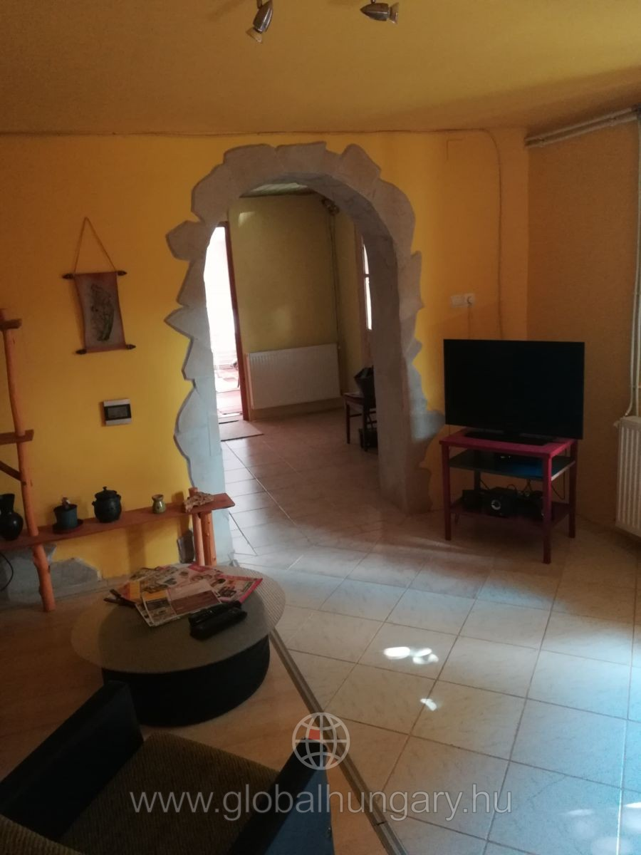 Pécsváradi 3 szobás családi ház