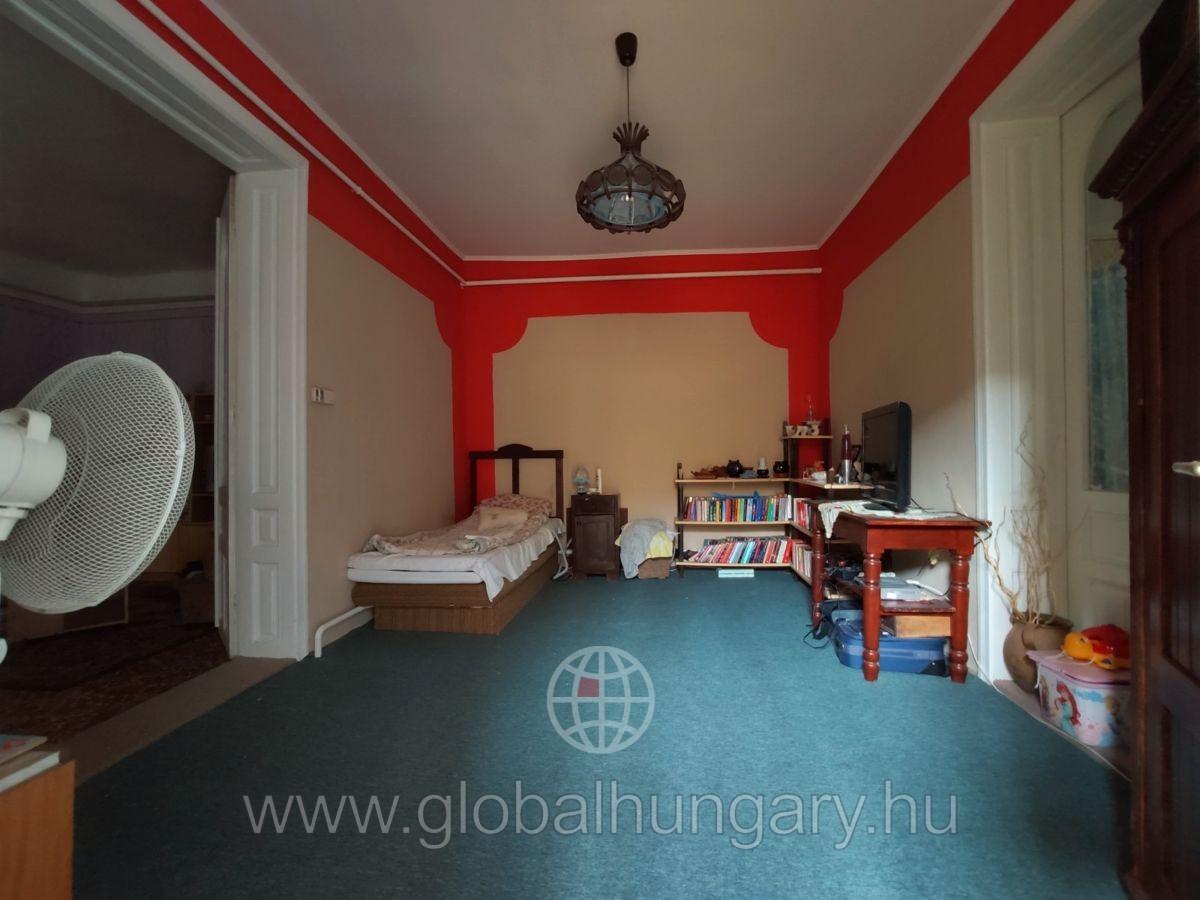 Pécs mellett Vokányban 150m2-es családi ház eladó