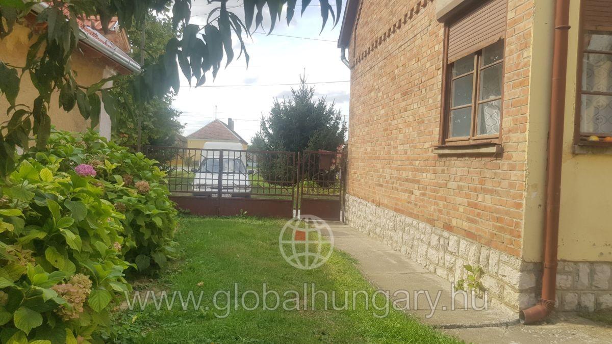 FALUSI CSOK! Királyegyházán jó állapotú, 100 m2-es ház eladó