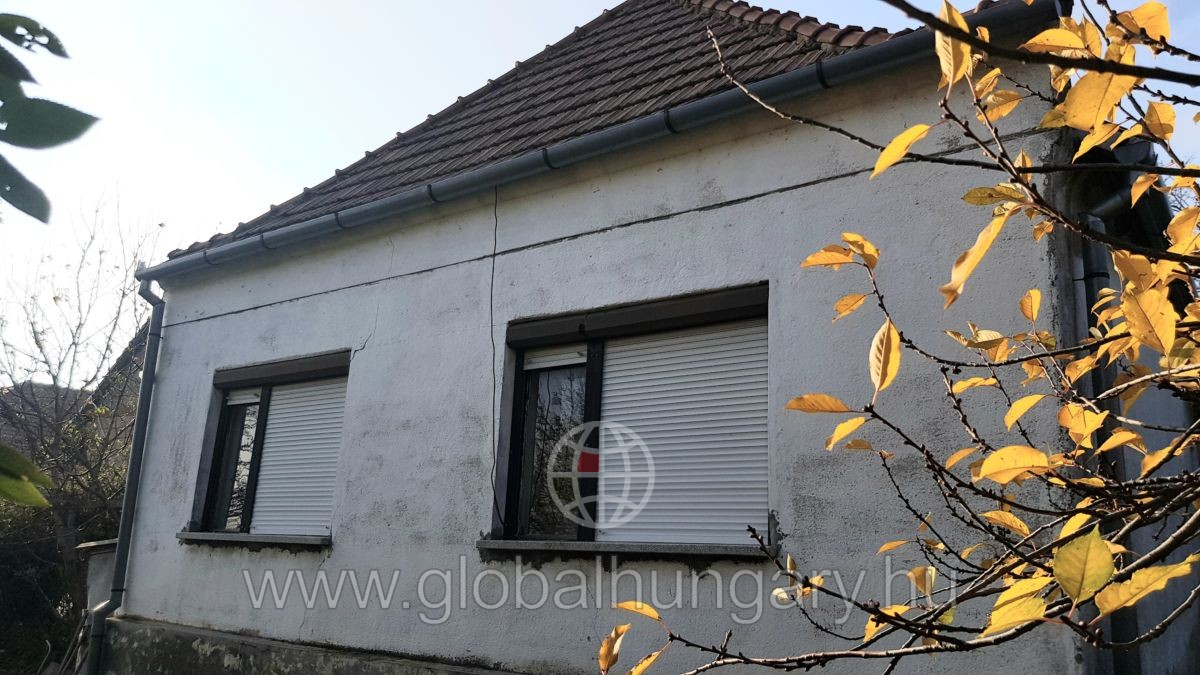 Kővágószőlősön 2 szobás házrész eladó