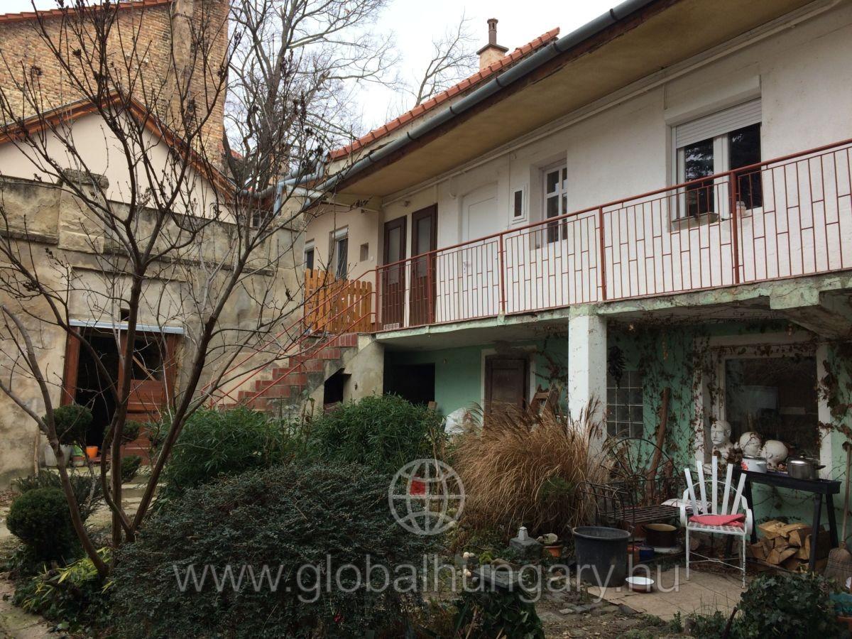 Garzon lakás a Széchényi tér mellett!