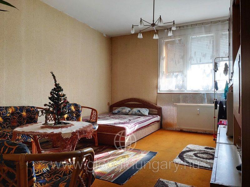 Kovácstelepen 74m2  3 szobás erkélyes panorámás lakás eladó