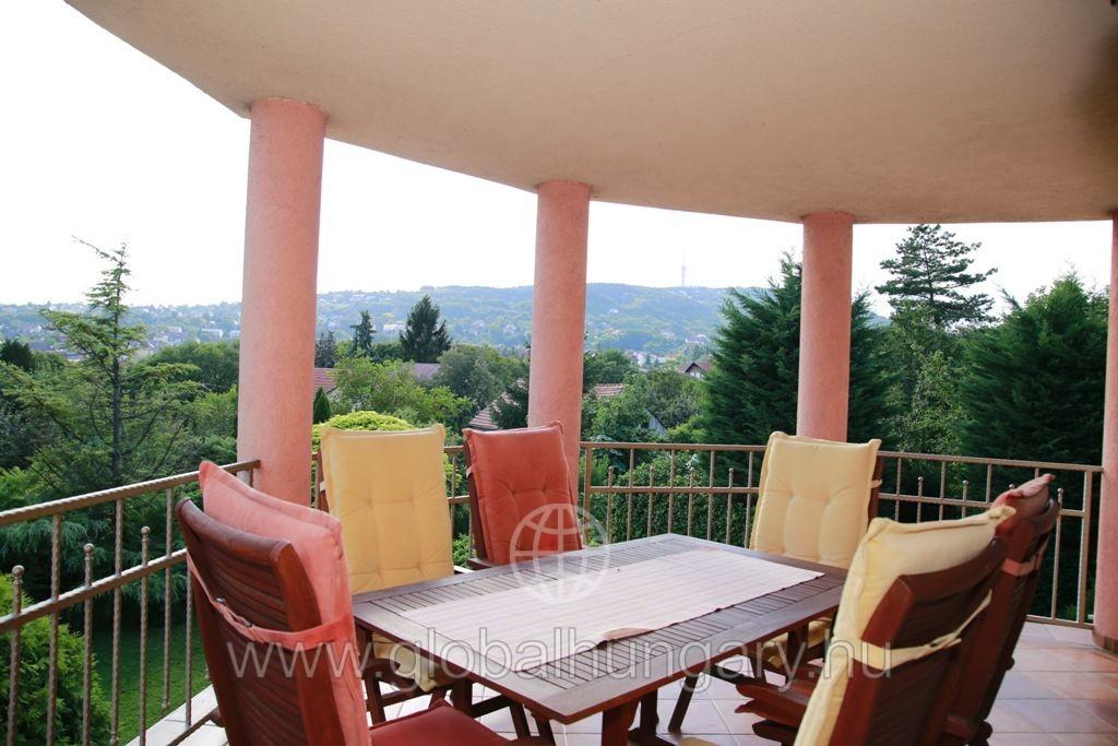 Mediterrán stílusú 240-es luxus családi ház eladó!