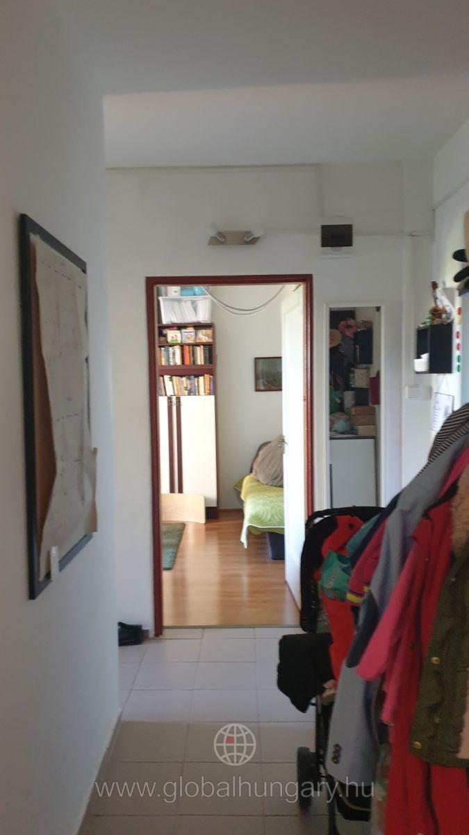 Pécs uránvárosban lakás eladó