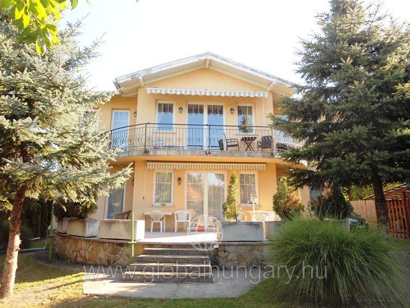Eladó családi ház  - Budapest - II. kerület - Hidegkút - 310 nm