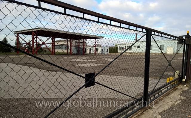 434m2-es ipari ingatlan,7293m2-es zárt területen eladó