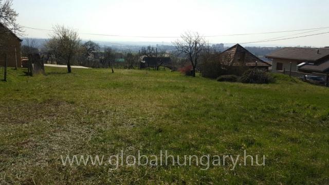 Pécs Szabolcsfaluban 1200m2-es panorámás telek eladó