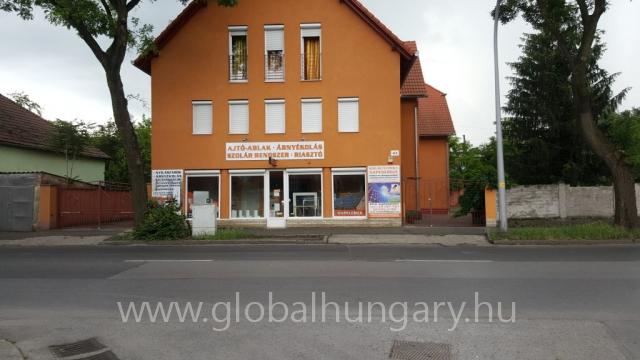 Pécs Mártírok útján üzlet eladó