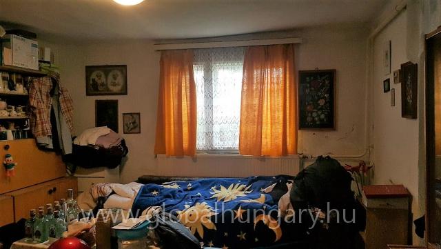 Patacson 60m2 2 szobás ház panorámás 1828m2-es telken eladó