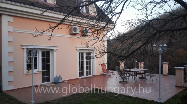 Eladó családi ház + üzlethelyiség - Budapest, II ker. - 560nm